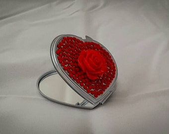 Heart compact mirror in red with flower design