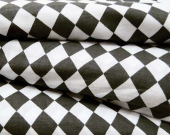 """Black & White Geometric Cotton Printed Dressmaking Fabric 29"""" WD Sewing Craft Material Dress Drape Indian Pure Cotton Fabric By 1 Yd ZBC5049"""