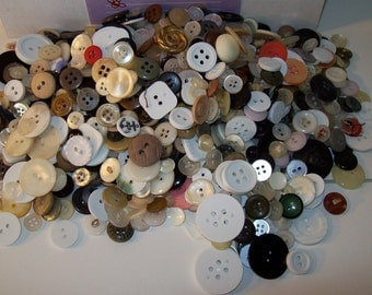 Buttons 1 lb Grab Bag Vintage assorted buttons-1 lb buttons-assorted colors, sizes-Buttons-sewing supplies-sewing notions-Buttons-Gifts