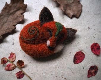 Needle felted red fox brooch