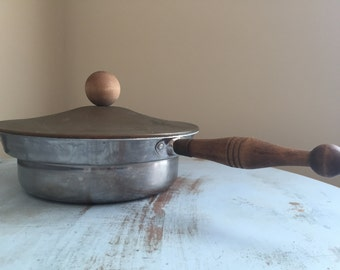 Vintage Pot with Lid, Light Weight Tin with Wood handle and Knob, Farmhouse