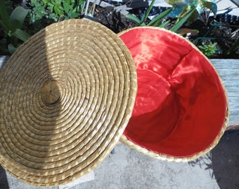 Trash straw natural and its lid, Interior Red satin, vintage 60