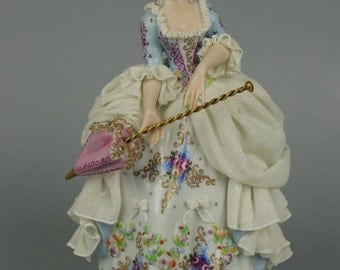 "Capodimonte San Marco Figurine ""Lady with Parasol"""