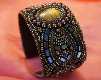 The bead embroidered cuff Lioness