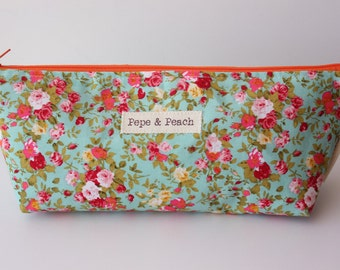Zipper Pouch, Pencil Case, Cosmetic Bag, Pencil Bag, Make up Bag, Large, Shabby Chic, Floral, Cotton, Very Pretty