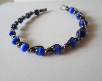 Blue beads and wire braclet