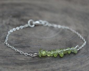 Birthstone bar Bracelet, Peridot Stone bracelet. August Birthstone.