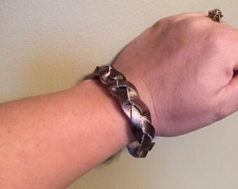 Bronze Metallic braided bracelet
