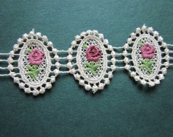 Victorian Rose Medallion Lace Trim