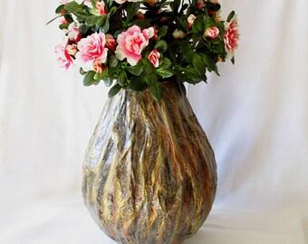 Decorative vase, fake flowers, baskets, real flowers, orange black and gold, paper mache, ecodesign