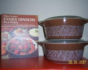 Vintage Pyrex 2.5 QT. Woodland Casserole Dish # 475 W/LID