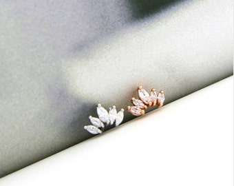 CZ Crown cartilage stud, simple tragus earring, flat back conch earring, dainty studs, rose gold stud earring, crystal cartilage piercing