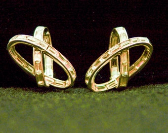 Vintage Rhinestone Infinity Clip Earrings 5439