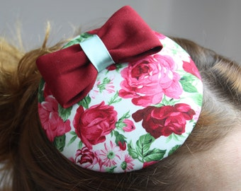 Fascinator flowers with Red Ribbon and lindgrüner cigar band