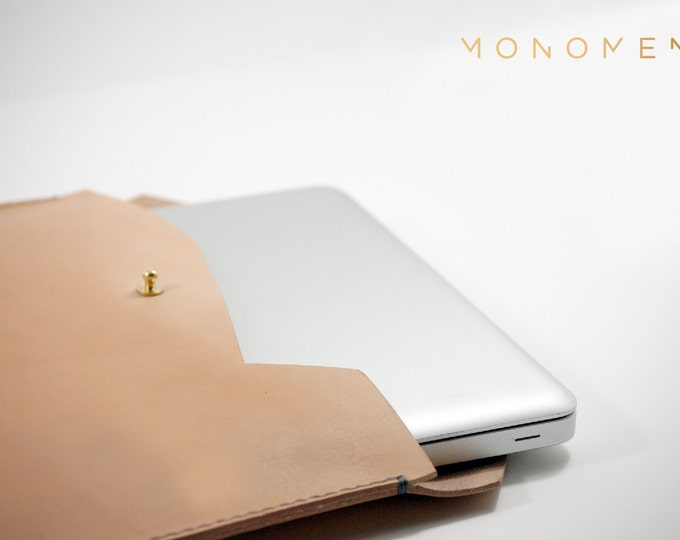"13"" Hand stitched, simple and sleek leather and brass laptop sleeve. Minimal and nice 13"" Macbook case design. Leather cover, leather sleeve"