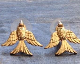 Gold bird earrings, bird jewelry, bird jewellery, gold birds, small bird earrings, vintage bridal gold earrings