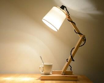 Lampe Ekinox - par Etienne bois - en bois massif, matériau durable, une création originale, minimaliste et personnalisable
