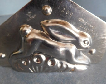 Running Rabbit by Hahn #3020/74 Vintage Metal Candy Mold
