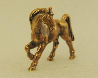 Figurine Playful Horse