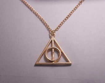 Necklace Harry Potter. The Deathly Hallows. Necklace Harry Potter.