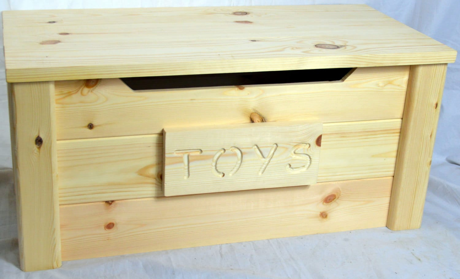 Handcrafted Wooden Rustic Pine Trunk Chest Toy Box Natural