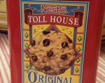 Nabisco Nestle Toll House Tin - Vintage 1980's Tin - Decorative Home and Kitchen Storage - Collectible Tin