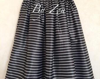 Satin black and white retro knee skirt