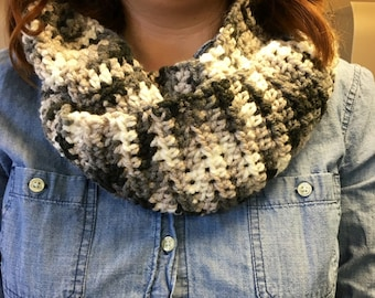 Infinity Scarf in grey and black