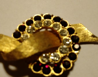 Gold Ruby/diamond Fashion Pin