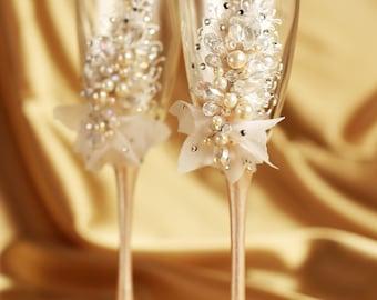 Personalized wedding flutes Wedding champagne glasses Toasting flutes Champagne flutes toasting flutes pearl ivory champagne flutes wedding