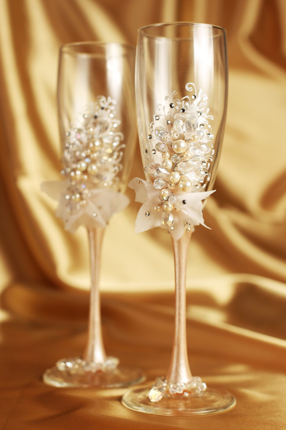 personalized wedding flutes wedding champagne glasses toasting