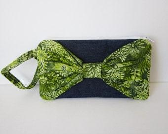Bow Clutch Purse, Denim Wristlet Purse, Denim Purse, Green Wristlet, Gift Under 15, Gift for Girl, Fabric Wristlet, Fabric Clutch