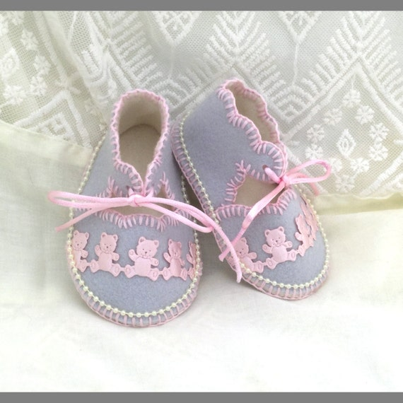 Pearl Grey Baby Shoes in 100% Pure Wool Felt. Hand Made. Specially Gift Boxed. 0-3 months OOAK