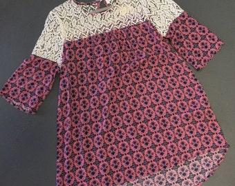 Boutique Hi-Lo Shirt with Lace Detail!