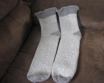 soft grey size 11/12 men's knitted socks