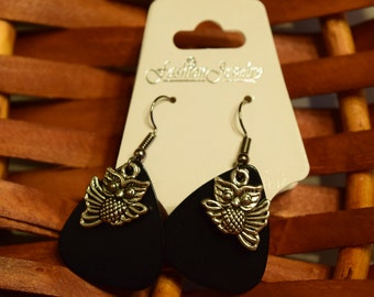 Handmade Guitar Pick Earrings (Black)