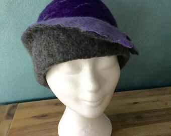 Handgevilte cloche Merino Wool grey/purple/lilac