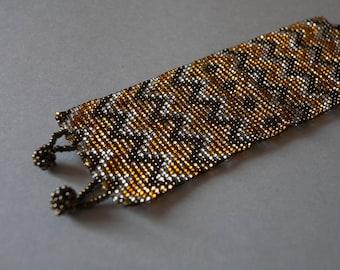 Zigzag Geometric Pattern Yellow and Gold Beaded Cuff Bracelet