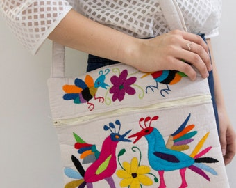 Birds and Bees Otomi Bag With Zipper