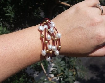 Freshwater pearl and red leather bracelet