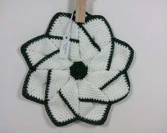 Crochet Potholder,crochet  pinwheel, Potholder  white edge green colored. Decorating kitchen.Kitchen decor.Potholder star. flower pot holder