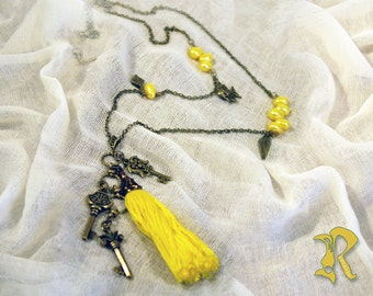 Long Necklace With Yellow Pearls and Tassel