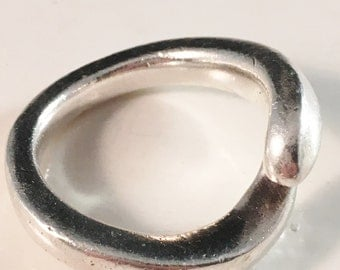 Large  Modernist Sterling Silver Ring 1970s Vintage
