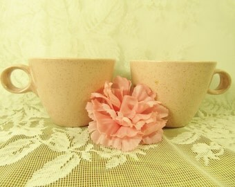 Vintage Pink coffee cup, mid century specked round handled mugs, pink pair of tea mugs, shabby chic coffee cups, cottage chic kitchen