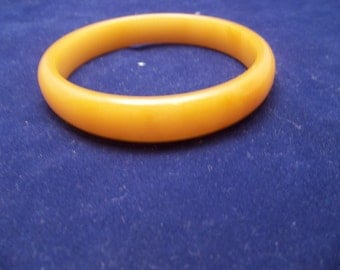 Vintage Bakelite Butterscotch Bangle