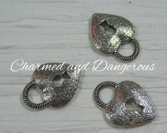 10 antique silver, pewter Key to My Heart charms (CM82)