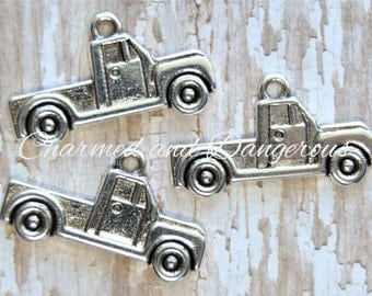 10 pewter Antique Pick Up Truck charms (CM211)