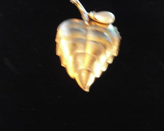 "Avon Solid Perfume Locket Leaf Brooch Gold With Pearl Accent 2.50"" Tall X 1.50"" Wide Vintage 1970s #7"