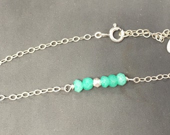 Silver chain bracelet and chrysoprase