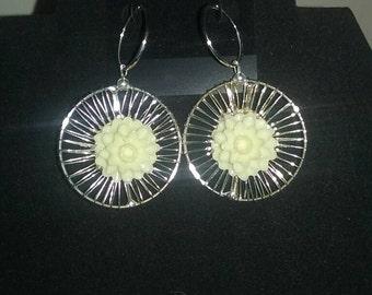 Big circle cream flower earrings